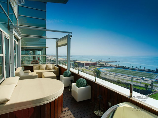 Luxury penthouse for sale in Sant Martí, Barcelona