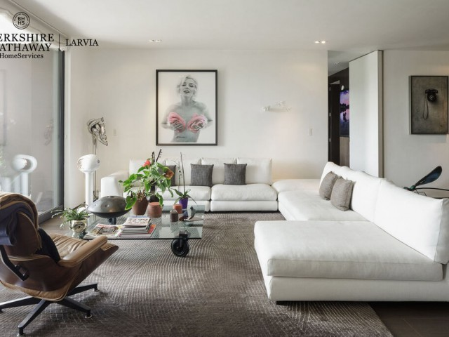Luxury flat for sale in Jerónimos, Madrid