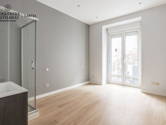 Flat for sale in Gaztambide, Madrid