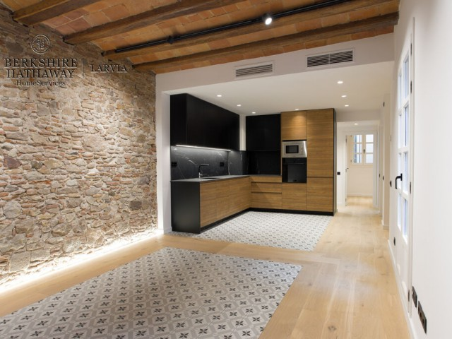 Flat for sale in Born, Barcelona