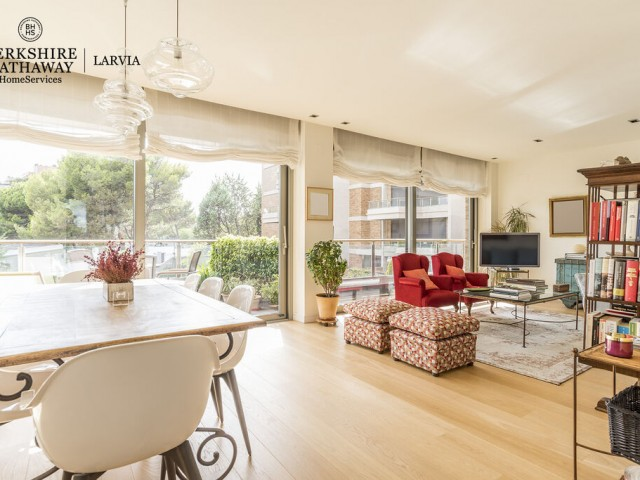Luxury flat for sale in Conde Orgaz, Madrid