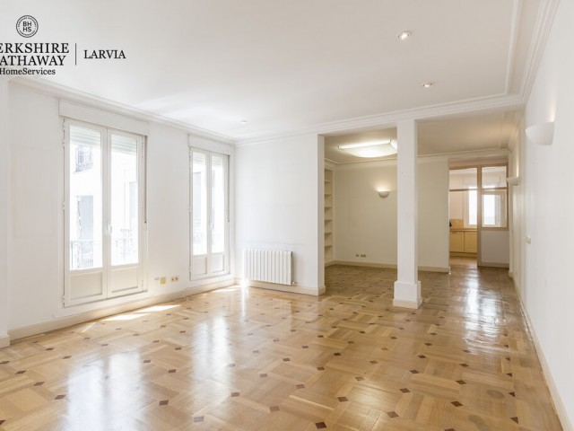 Flat for rent in Justicia, Madrid