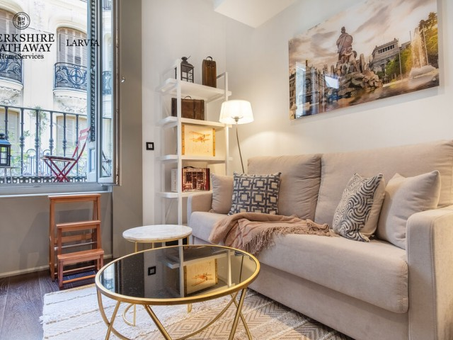 Flat for sale in Justicia, Madrid