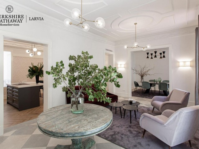 Luxury flat for sale in Almagro, Madrid