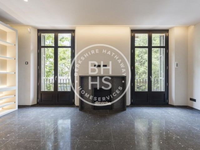 Luxury flat for sale in Eixample Esquerra, Barcelona