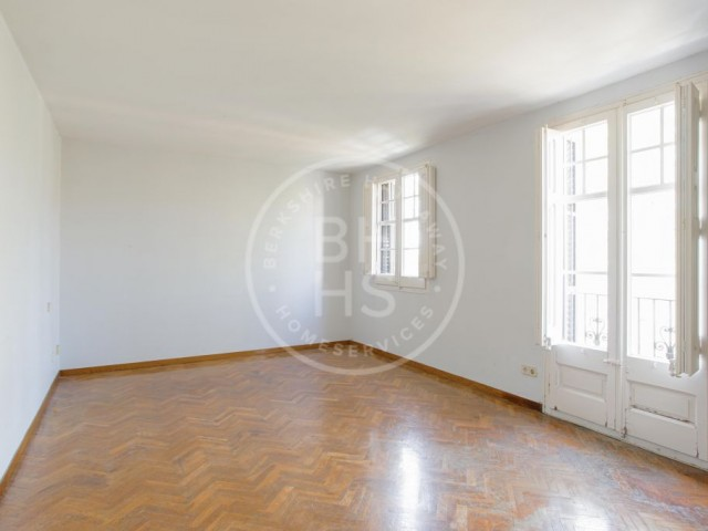 Flat for sale in Tres Torres, Barcelona