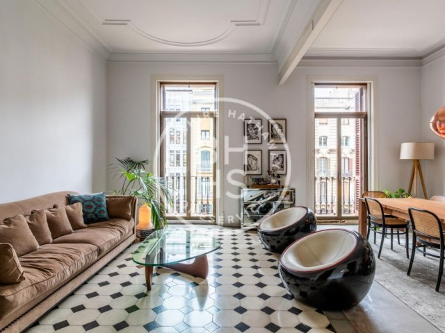 sqm luxury flat for rent in Eixample Dret, Barcelona